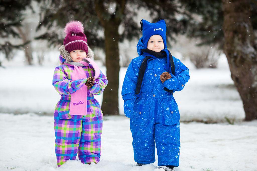 Как выбрать зимний комбинезон ребенку