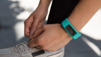 Топ 10 лучших фитнес браслетов с измерением давления, пульса
